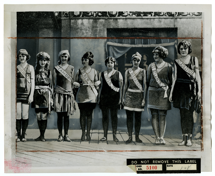 Contestants at the first Miss American pageant, 1921