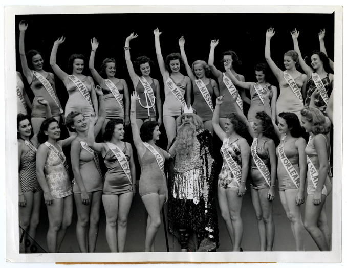 1939 Miss America contestants pose with King Neptune
